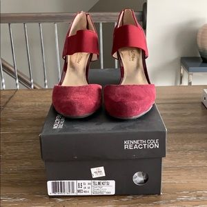 Kenneth Cole Reaction Dark Red Wedges